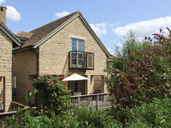 Bridge House self catering near Cirencester